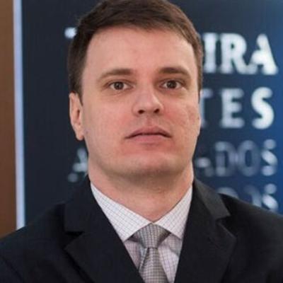Vinicius de Barros