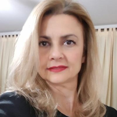Márcia Garbelini Bello