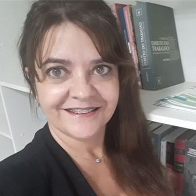 Adriana Kingeski dos Santos
