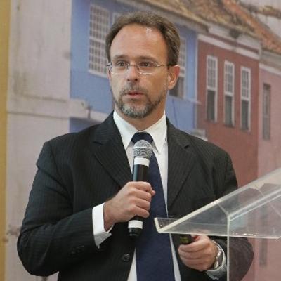 Antonio Adonias Aguiar Bastos