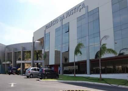 TJ/MT suspende prazos processuais e garante férias a advogados