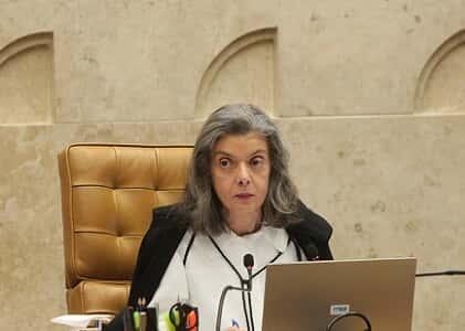 """Cármen Lúcia: """"Amadurecimento democrático demanda transformação do Judiciário"""""""