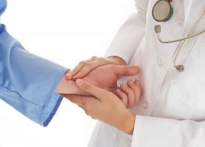 Plano de saúde pode reajustar mensalidade em razão da idade