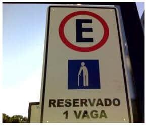 TJ/RJ - Lei que garante estacionamento gratuito para idosos é suspensa