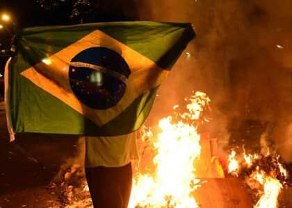 Ações de vandalismo em protestos no RJ serão investigadas por comissão