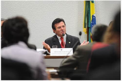Senado aprova indicação de Luiz Fux para o Supremo