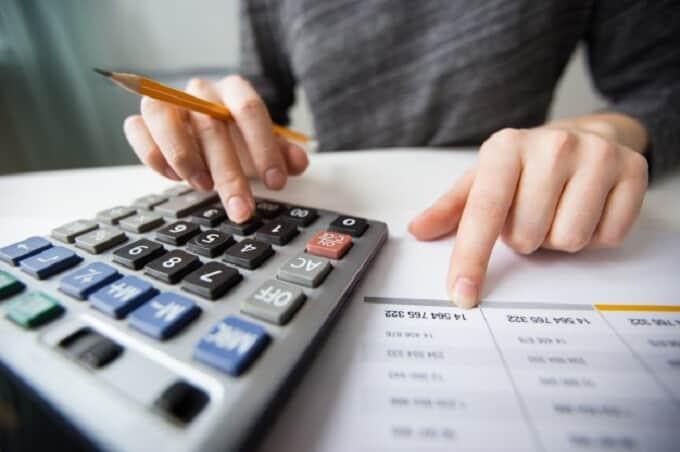 Taxa de juros abusiva em empréstimo pessoal enseja devolução de ...-  Migalhas