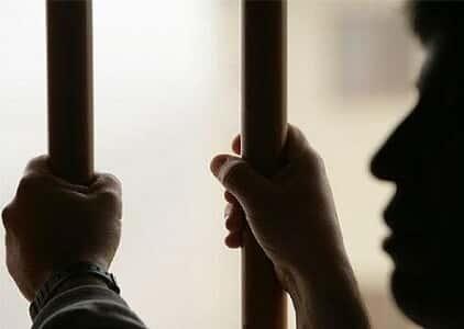 Prisão fixada no mínimo para pagamento de pensão pode ser prorrogada