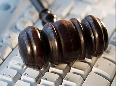 STJ realiza primeira audiência com advogado por videoconferência
