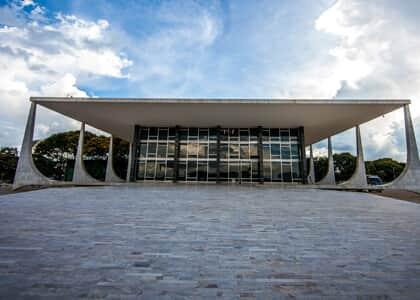 STF cassa decisão que proibia divulgação de matérias sobre advogado em TV