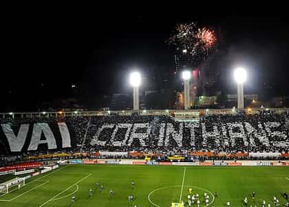 Torcedores do Corinthians pedem para assistir aos jogos da Libertadores