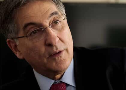 Ministro Herman recebe denúncia contra Pimentel por corrupção envolvendo a Odebrecht