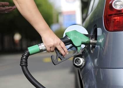 Decreto que aumentou imposto sobre combustível é suspenso