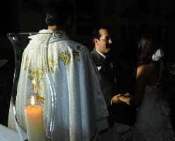 Concessionária deve indenizar por falta de energia em festa de casamento