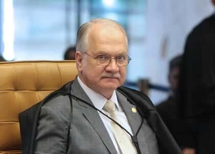 Fachin submete ao plenário ação sobre impedimento de acesso à prisão de Lula