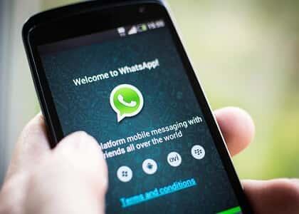 Negada justa causa de empregada por conversas no WhatsApp
