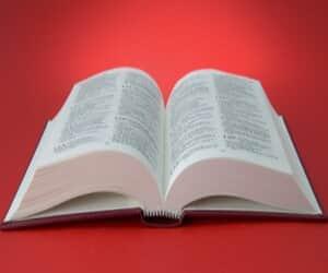 """Juiz manda MP reduzir inicial com tamanho de """"livro"""""""