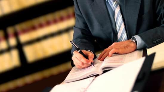 Advogado é condenado por má-fé por atuação orquestrada com empresa