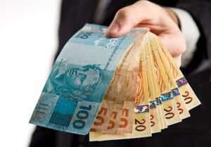 Suspenso concurso municipal que previa salário de R$ 788 para advogado