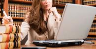 Advogada tem vínculo empregatício reconhecido com escritório