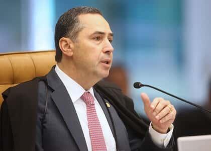 """Para ministro Barroso, é ingênuo supor que mundo do Direito pudesse ser """"lago tranquilo em meio à tempestade"""""""