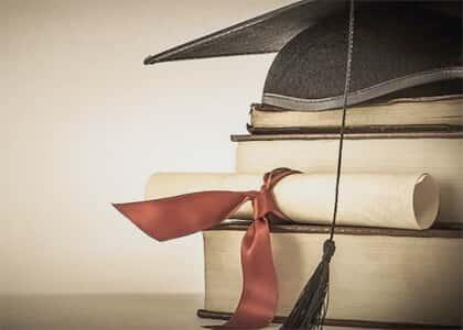 OAB/PR aprova moção para suspender novos cursos de Direito por 10 anos