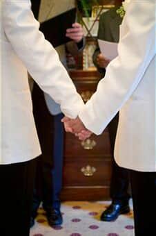 Juiz reconhece casamento homoafetivo contraído no exterior
