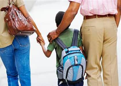 Criança nascida de barriga de aluguel ficará com pai registral