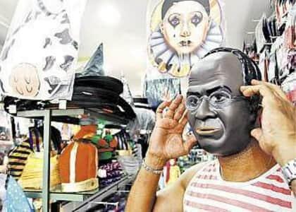 Personagens do mensalão viram tema de blocos carnavalescos pelo país
