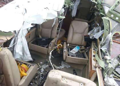 Avião do ministro Teori é retirado do mar, confira as imagens