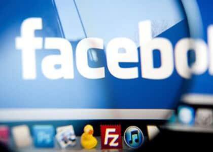 Crítica no Facebook à atuação política de deputado não configura dano moral