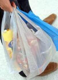 Procon/SP determina que supermercados ofereçam alternativa para sacolas plásticas