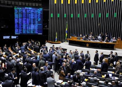 Câmara conclui votação de destaques do novo CPC e texto entra na reta final