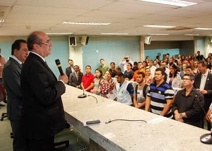Ministro Gilmar visita TRE/AM para acompanhar eleição para governador