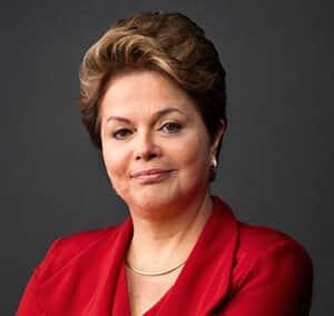 Juristas protocolam aditamento a pedido de  impeachment de Dilma