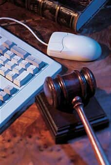 Novo CP criminaliza perfis falsos em redes sociais