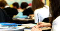 Faculdade deve devolver a aluna mensalidades pagas por curso interrompido