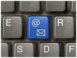 E-mails contundentes da chefia não caracterizam assédio moral