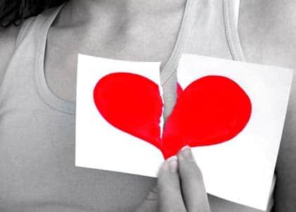 Coração partido por casamento rompido, mesmo sem motivo, não gera dano moral