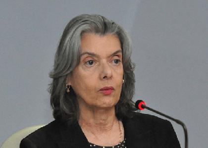 Tribunais devem informar salários de juízes ao CNJ