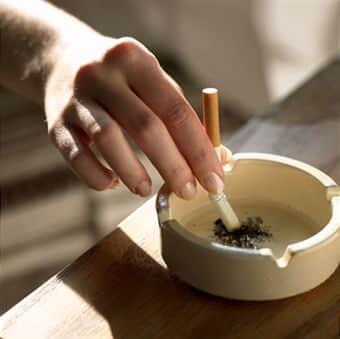 Anvisa determina retirada de cigarros com sabor e aroma do mercado