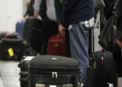 JF suspende cobrança por bagagem em voo