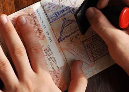 Emissão de visto a turistas é simplificada