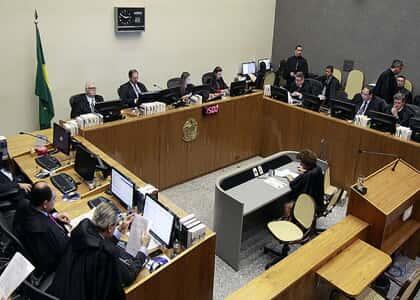 STJ aprova súmulas sobre seguro DPVAT e recuperação judicial