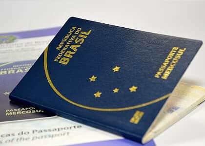 Juiz suspende passaporte e CNH de mulher inadimplente