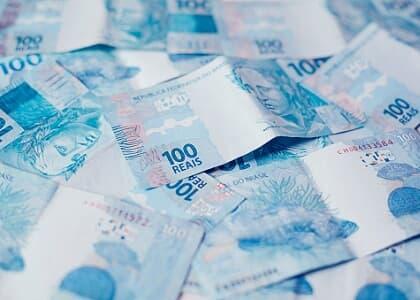 Banco deve indenizar por induzir consumidora a erro na contratação de empréstimo