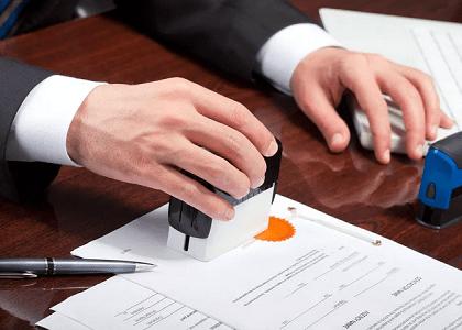 Pretensão indenizatória contra ato de tabelião prescreve em três anos