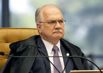 Para Fachin, medidas cautelares contra parlamentares não dependem de revisão do Congresso