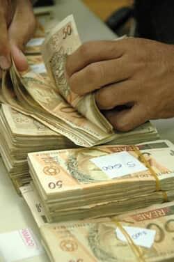 Previstas no contrato, tarifas em financiamento são legais