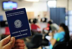 A política trabalhista do governo Bolsonaro